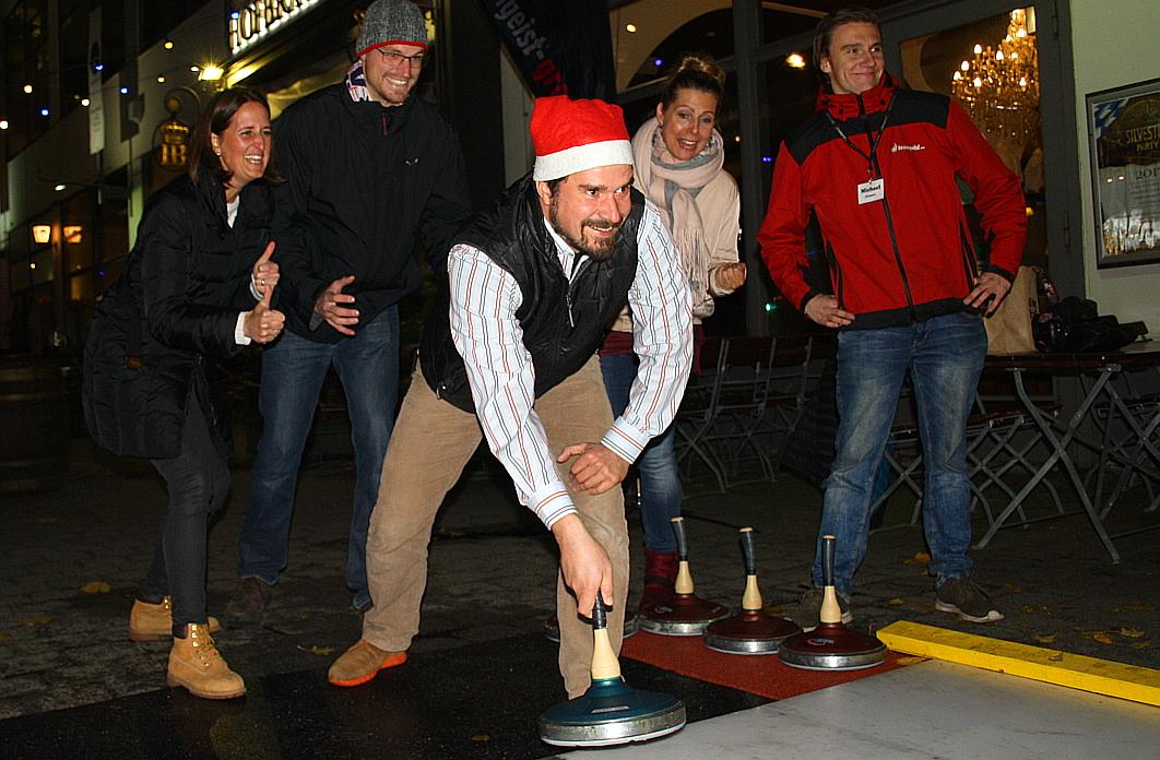 Eisstockschießen Berlin Weihnachtsfeier.Teamgeist Eisstock Berlin De