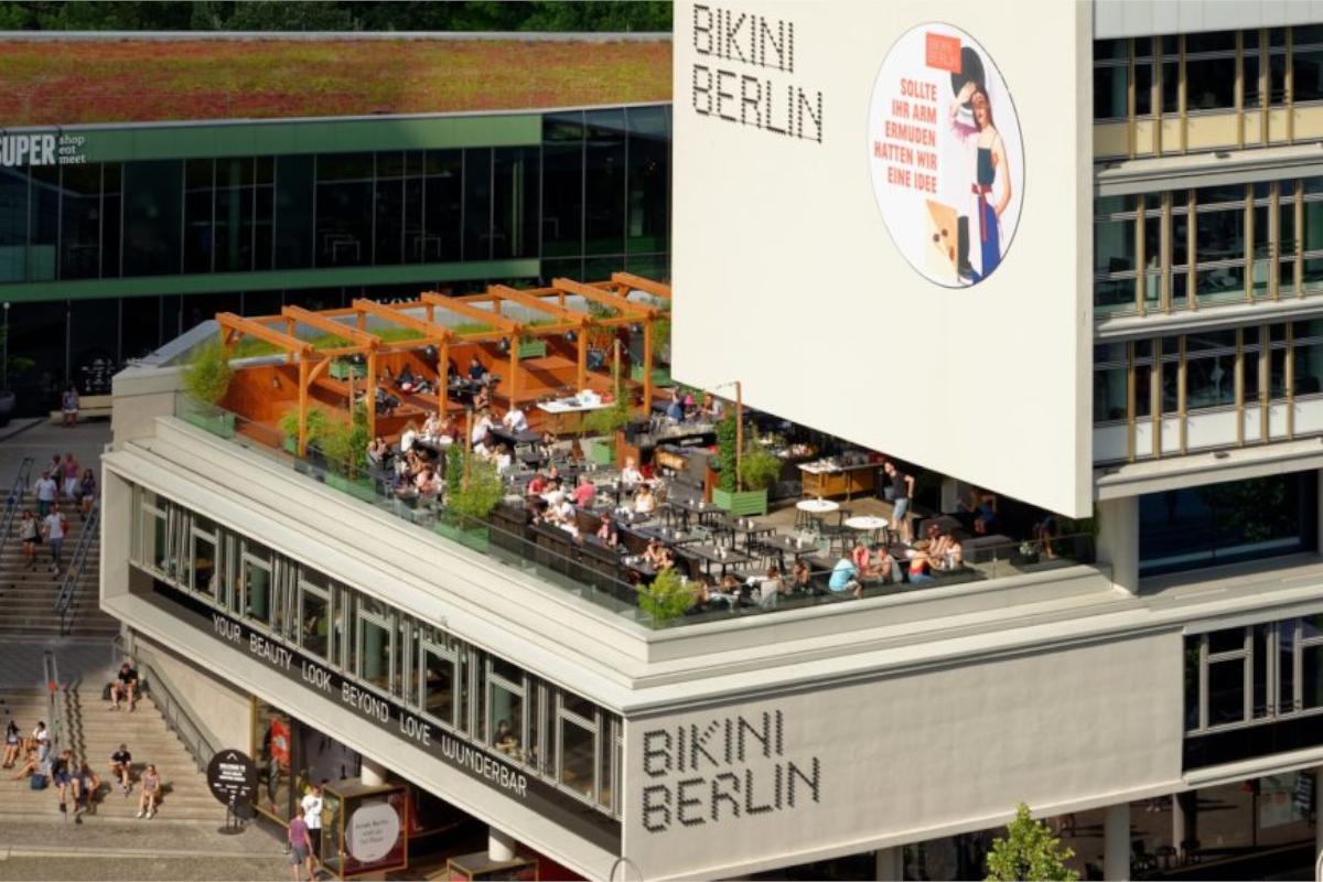 Eisstockschießen Berlin Weihnachtsfeier.Eisstockschießen In Berlin Am Alexanderplatz Eisstock Berlin De
